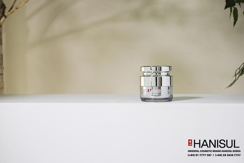 Mỹ phẩm cao cấp Kem dưỡng da trắng hồng tự nhiên Hanisul Super Vital White Cream