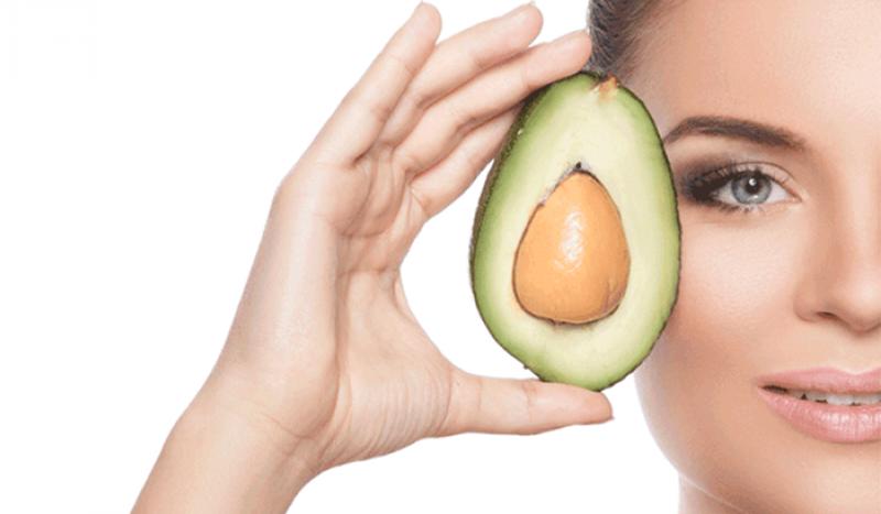 Mặt nạ chống lão hóa từ bơ đầy dưỡng chất cung cấp cho da ngăn chặn quá trình lão hóa sớm